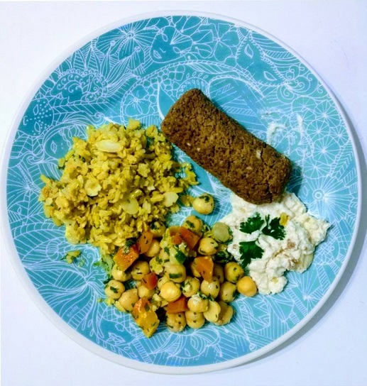 falafel, grão de bico, homis e arroz